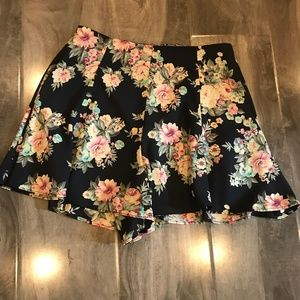 Lush Navy Floral Swing Shorts size XS Nordstrom
